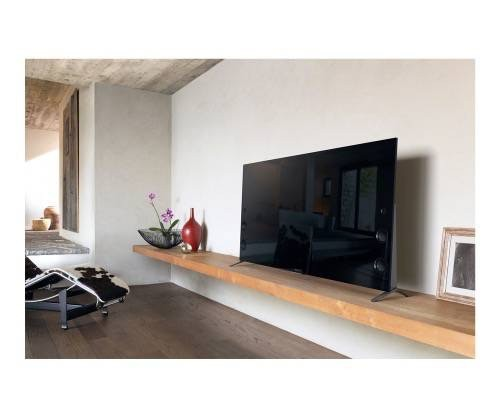 Sony-XBR65X930C-65-inch-4KTV-on shelf